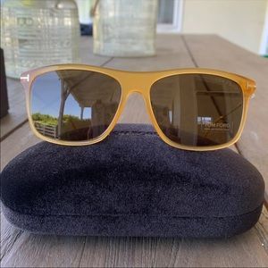 NWT!!100% Authentic Tom Ford sunglasses FT 0588